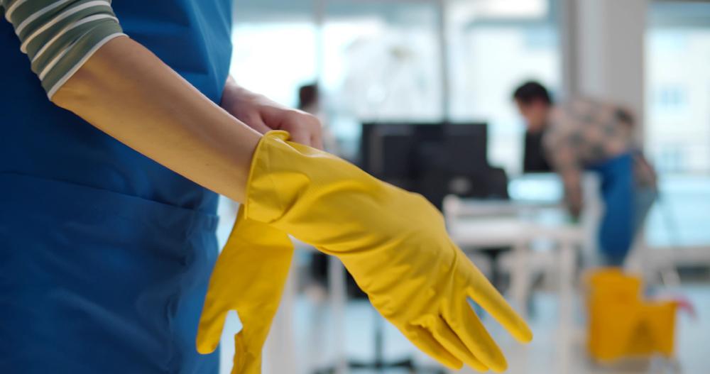 Contrato para limpieza regular de oficinas en Panama